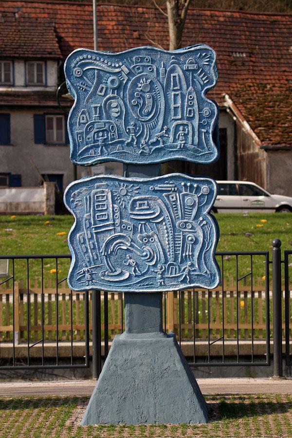 Kultstein in Blau