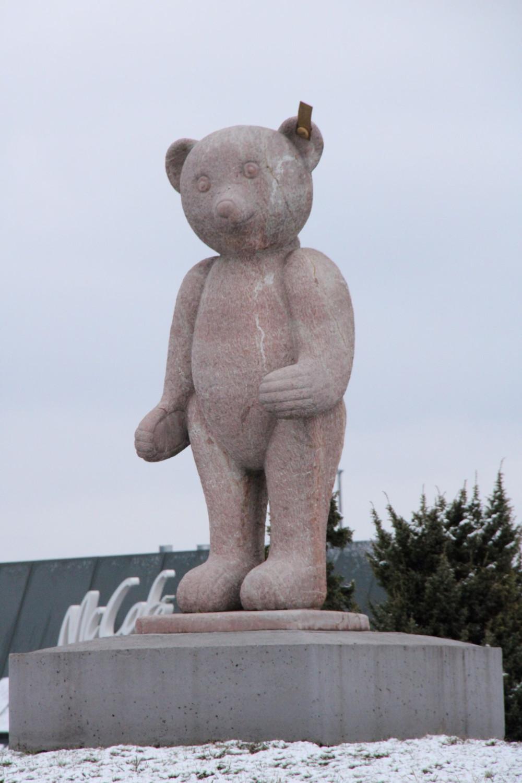 Teddybär auf Kreisel